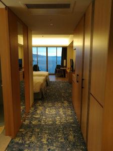 熱海後楽園ホテルオーシャンビュールーム入り口