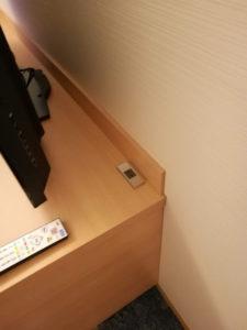 熱海後楽園ホテルのテレビ裏の電源が